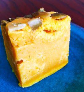季節のケーキ かぼちゃケーキ断面|無添加ジャムの東京八王子こじまファーム